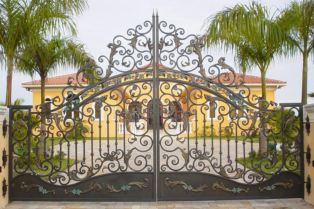 Làm thế nào để lựa chọn cửa cổng sắt phú hợp với ngôi nhà?